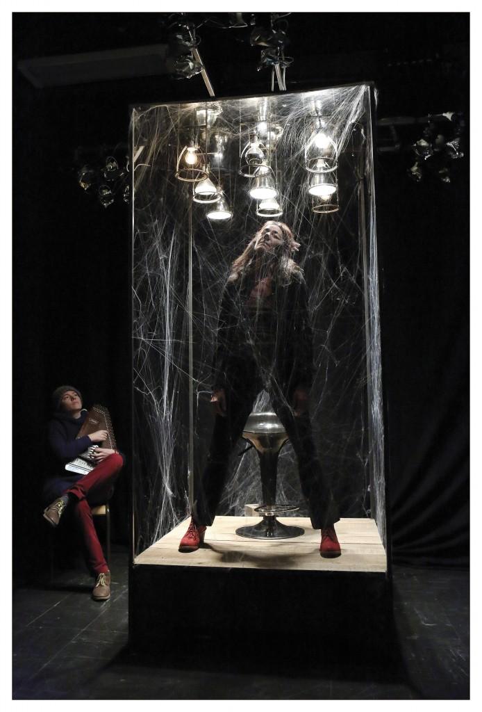 Photos de plateau / résidence de création du spectacle «Héroïne(s) #1» / Compagne Les Passeurs - Lucile Jourdan